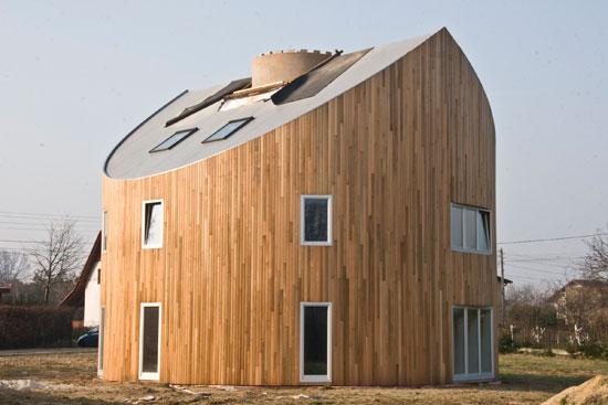 Dom w kształcie pnia, nietypowe domy, dziwne domy, nowoczesne domy